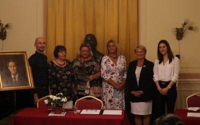 A tanévnyitó értekezletünkön a tankerületi vezetőség adta át az EMMI miniszterének elismerő oklevelét és Pedagógus Szolgálati Emlékérmeket